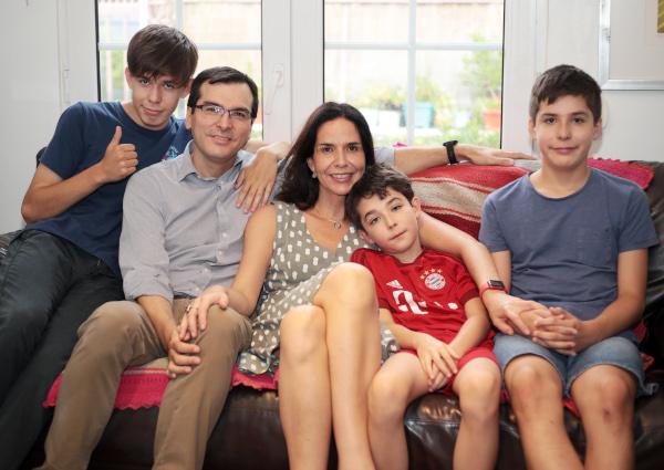 María José Herrera y su familia